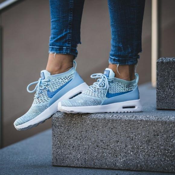 57b4f77833bf Nike Shoes